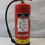 9 liter Trykvandslukker Anbefales til Faste stoffer f.eks. træ, papir og tekstiler.  Strålelænge ca. 6 meter.